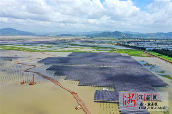 海涂荒滩建光伏 促经济绿色发展